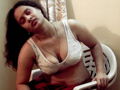 Hot Mallu Aunties Bra Photos