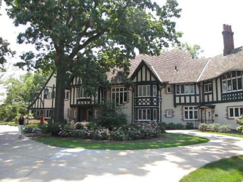 Kellogg Manor House