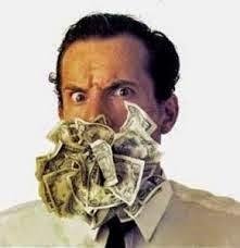 E S C A N D A L O S A M E N T E... Reajuste salarial e outras vantagens para políticos: Enquanto alguns recebem aproximadamente R$40.000,00 mensais, outros recebem um salário mínimo para o seu sustento e de sua família: Isto é corrupção, ganância, falta de ética, de escrúpulo, de consciência, de justiça, de solidariedade. ISTO É FALTA DE VERGONHA!!! Pensem... Reflitam... Ponham a mão na consciência...