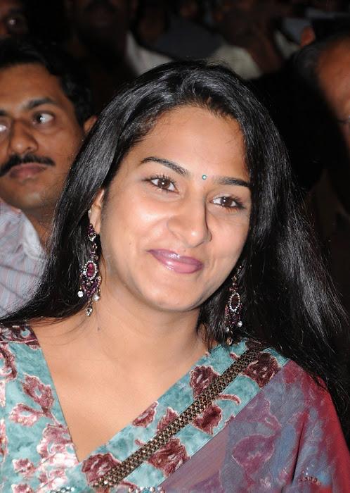 surekha vani saree cute stills