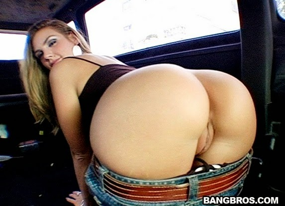 Brianna Love, Amy – Young Abella Anderson on the bus