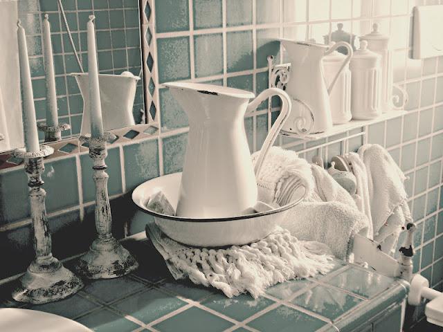Casa shabby chic nel nuovo numero di casa da sogno bed - Appendi asciugamani ikea ...
