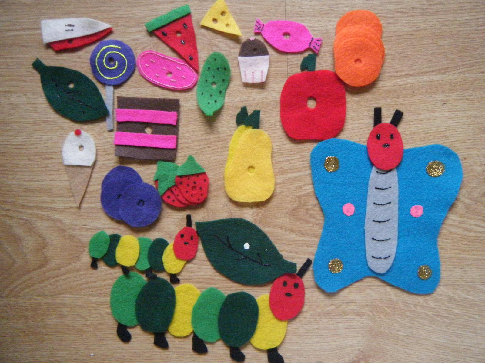 how to make a notice board using felt