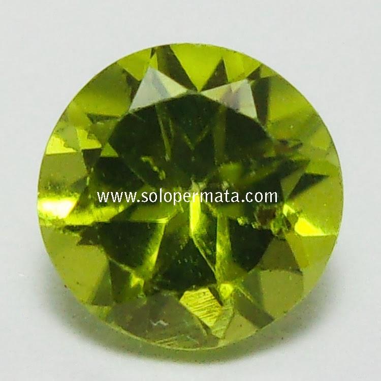 Batu Permata Yellowish Green Peridot - 02B05