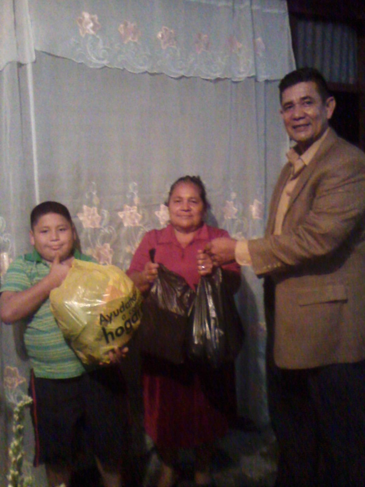 MINISTERIO AYUDA A UNA FAMILIA