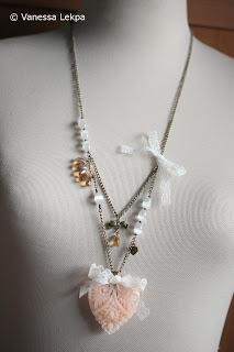 collier baroque romantique dentelle calais cristal