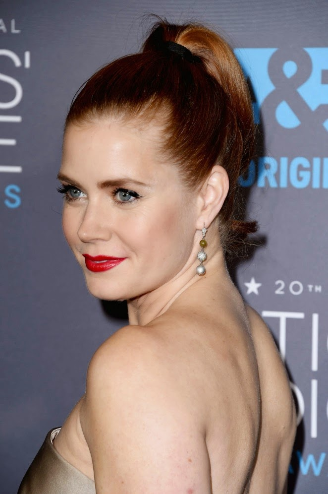 Amy Adams in a strapless Max Mara dress at the 2015 Critics' Choice Movie Awards