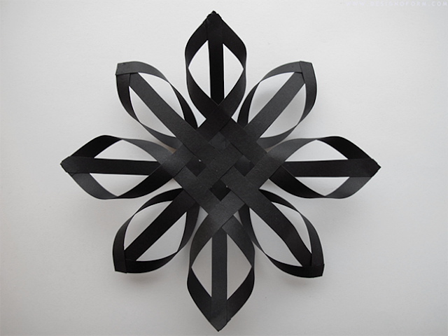 3d Snowflake out of Paper