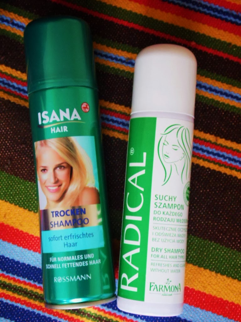 Suche szampony: Farmona Radical vs. Isana Hair