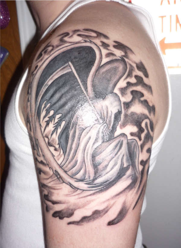 Tattoo Covering The Shoulder And The Upper Arm: Angel Of Death / Grim