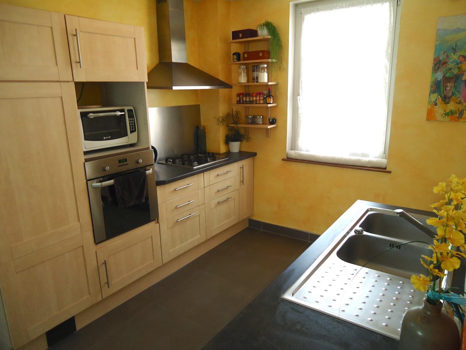 ma maison sur bischheim la cuisine. Black Bedroom Furniture Sets. Home Design Ideas