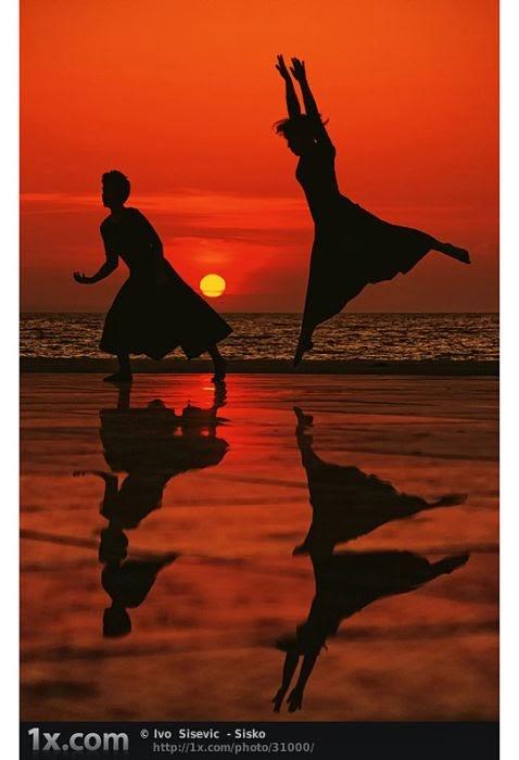 Dancing+People003
