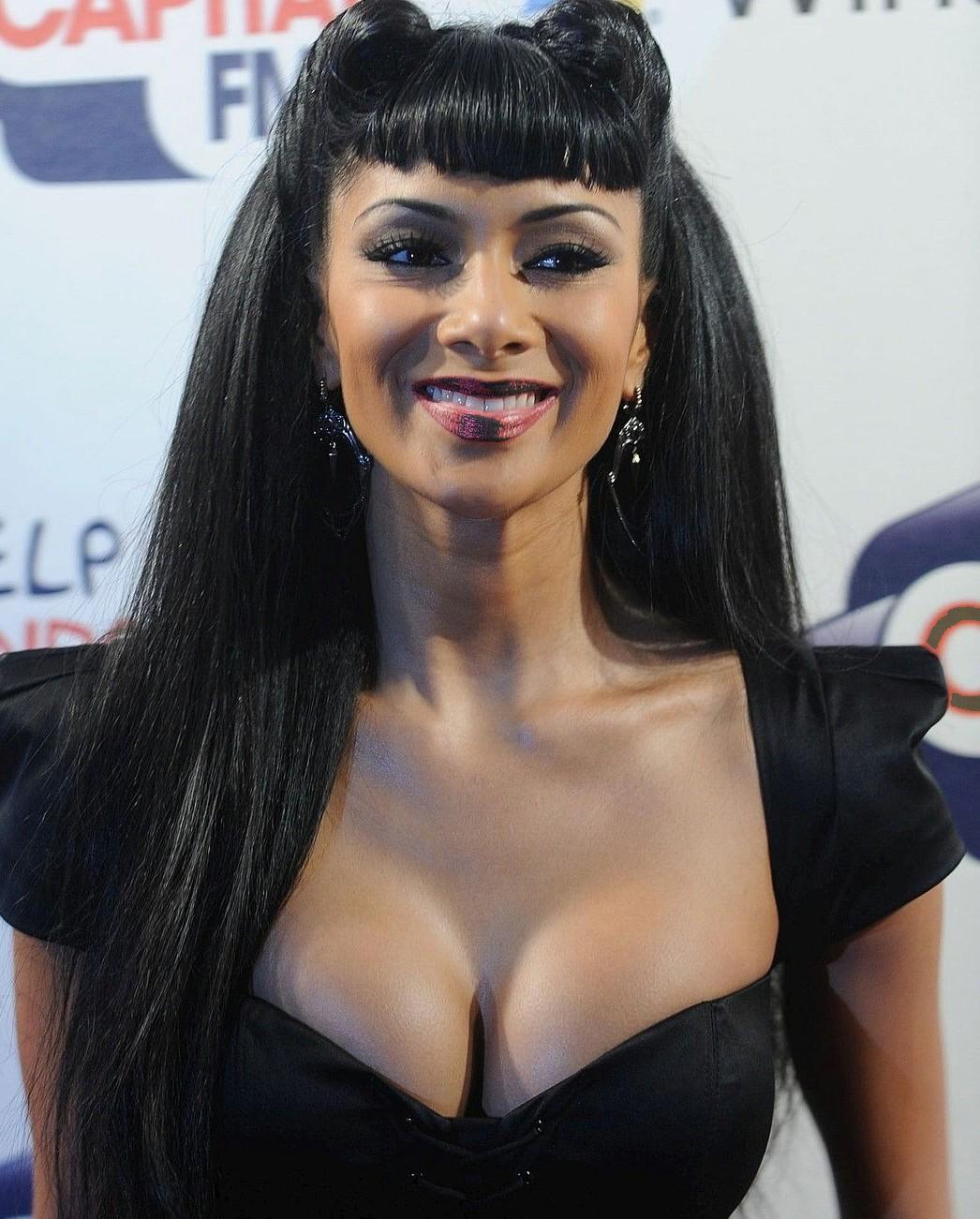 http://4.bp.blogspot.com/-poScWrLvYoM/TmXLVlqKjYI/AAAAAAAAAu8/bmkeMvbrP_A/s1600/Nicole_Scherzinger_Hot_00.jpg