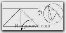 Bước 3: Mở lớp giấy trên cùng ra, kéo và gấp lớp giấy sang trái.