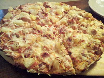 Homemade chicke and bacon pizza
