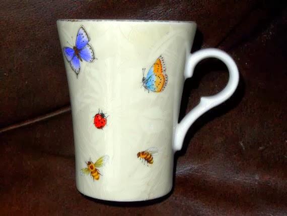 https://www.etsy.com/listing/180622842/royal-grafton-butterfly-mug-english-bone?ref=favs_view_1