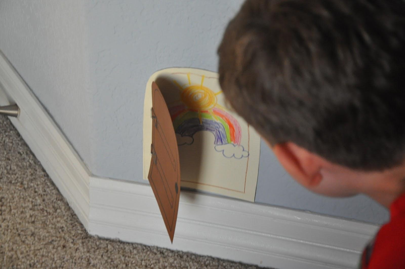 Mam s todoterreno puerta para el ratoncito p rez - Puerta ratoncito perez el corte ingles ...