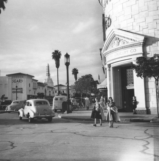 Los Angeles Supermarket: Black & White Photos Of Los Angeles In The 1940s