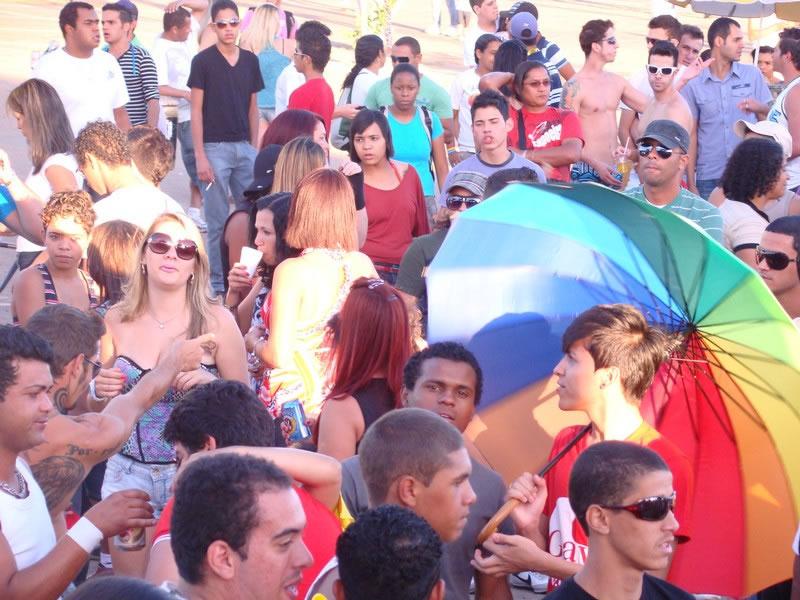 Parada do Orgulho LGBT do Gama reuniu cerca de 10 mil em 2011 (Foto: Hernanny Queiroz/Arquivo/Gay1)