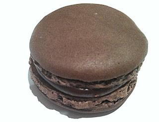Les meilleurs macarons au chocolat de Paris - Un Dimanche à Paris