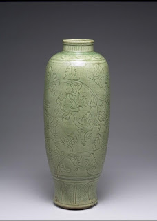 ming dynasty lonquan celadon vase