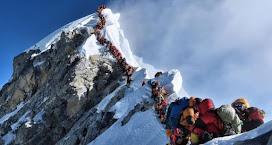 Mueren otros dos alpinistas en el Everest y elevan a 10 las víctimas fatales de la temporada