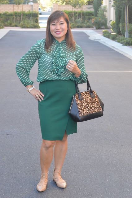 office style, fashion over 40, OC blogger