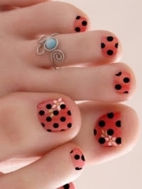 New-Season-Pedicure-Nail-Art-Ideas