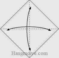 Bước 1: Gấp tờ giấy lại làm bốn để tạo các nếp gấp sau đó lại mở ra.