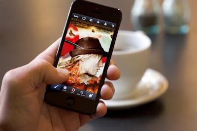 Adobe Photoshop Touch Kini Tersedia Untuk iPhone