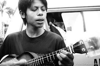 Foto Masa Kecil Ariel Peterpan.bekamsteriljakarta.blogspot.com