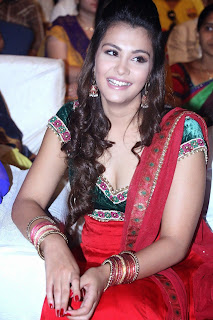 Naziya hussain in red salwar suite latest Pictures at Nee Jathaga Nenundali audio release