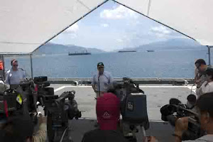 PRESS CONFERENCE IN CAM RAHN BAY, VIET NAMN