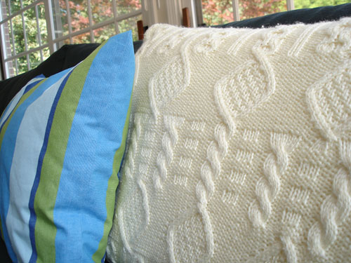 Cable Knit Pillow Pattern Free : How to Knit Cable Knit Pillows