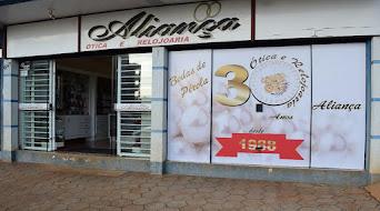 A Ótica e Relojoaria Aliança completa 30 anos em Turvo e quem ganha o presente é você amigo cliente