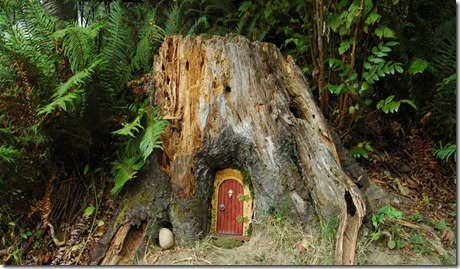 Inspire my house pretty magical diy fairy door tutorial for Outdoor fairy door