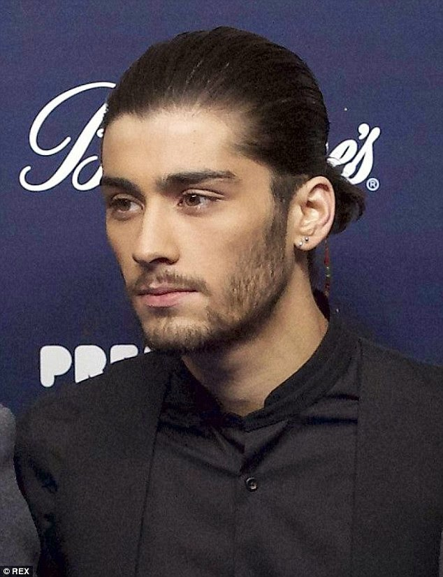 One Direction - Zayn Malik quits the group after five years  26E4E88A00000578-3011374-image-m-4_1427301770020