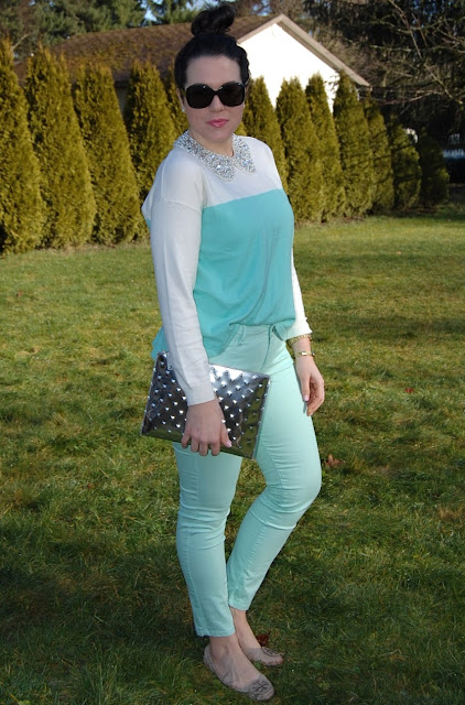 Mint forever 21 sweater and jeans, H & M rhinestone collar, Ela clutch and Tory Burch flats