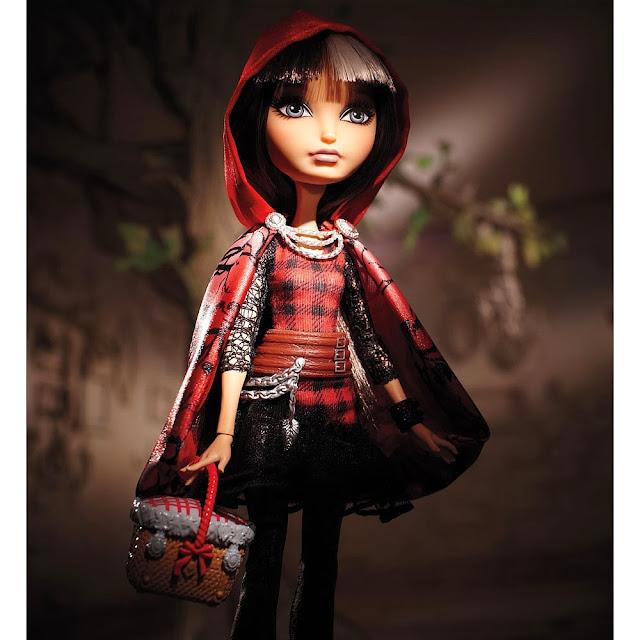 Muñeca Cerise Hood posado