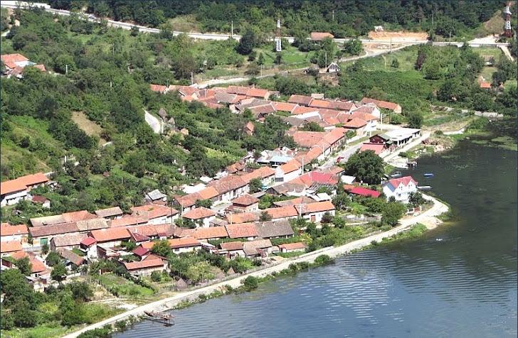 Comuna Dubova