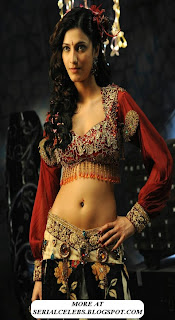 Shruti Hassan navel exposed