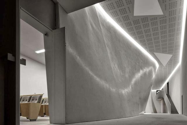 07-The-Teatrino-of-Palazzo-Grassi-by-Tadao-Ando