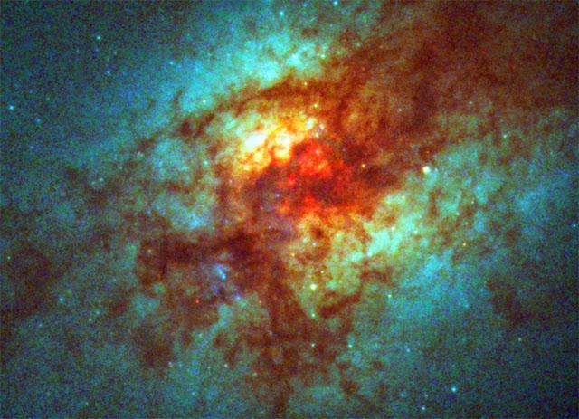 galáxia no infravermelho
