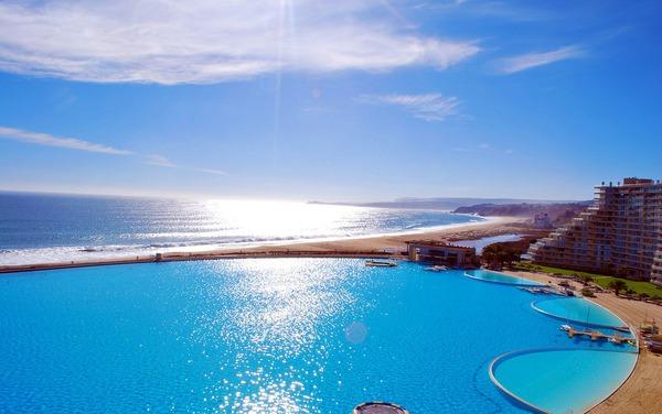 Στην Χιλή, η μεγαλύτερη πισίνα στον κόσμο!