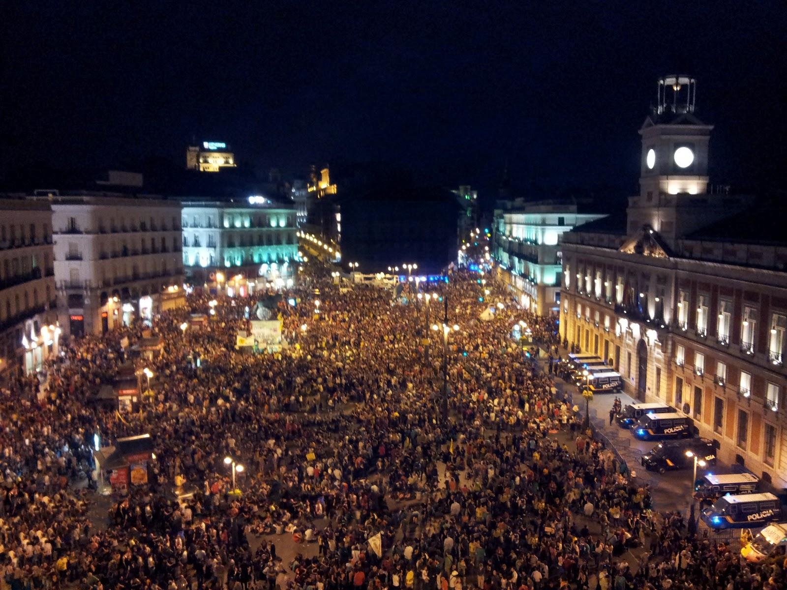 La Fotograf A De Piter Puerta Del Sol 12 De Mayo De 2012