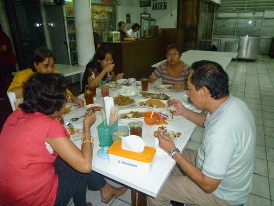 Cenando gastronomía china en Bandung