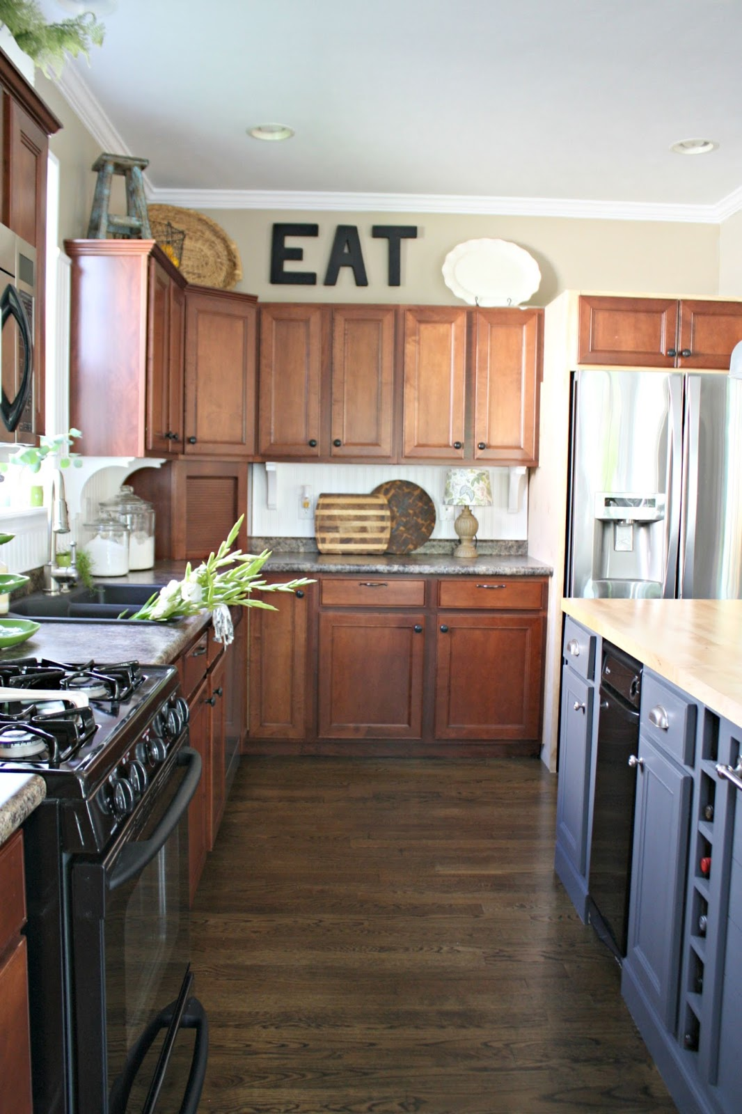 Kitchen reno the next step thrifty decor chick for Kitchen cabinets reno