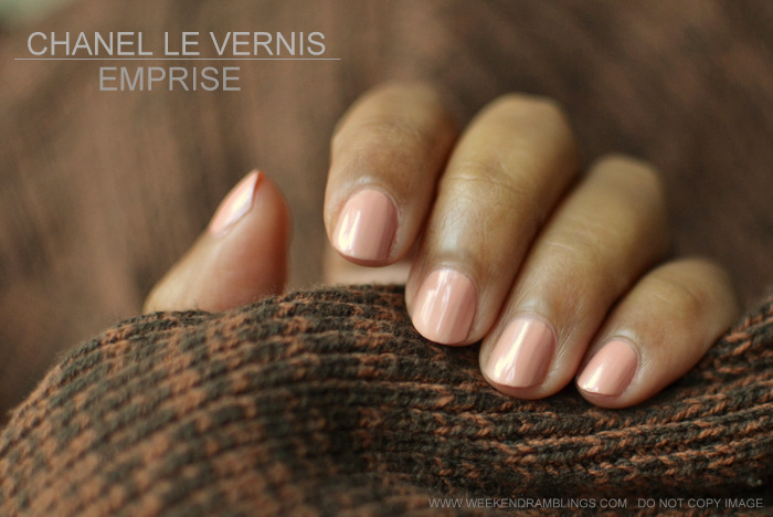 Chanel Le Vernis Nail Polish Emprise 569 Printemps Precieux de Chanel Spring 2013 Makeup Collection Review Swatch NOTD Indian Beauty Blog
