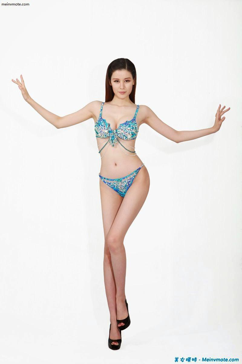 Human chest device bikini queen Wang Yixuan
