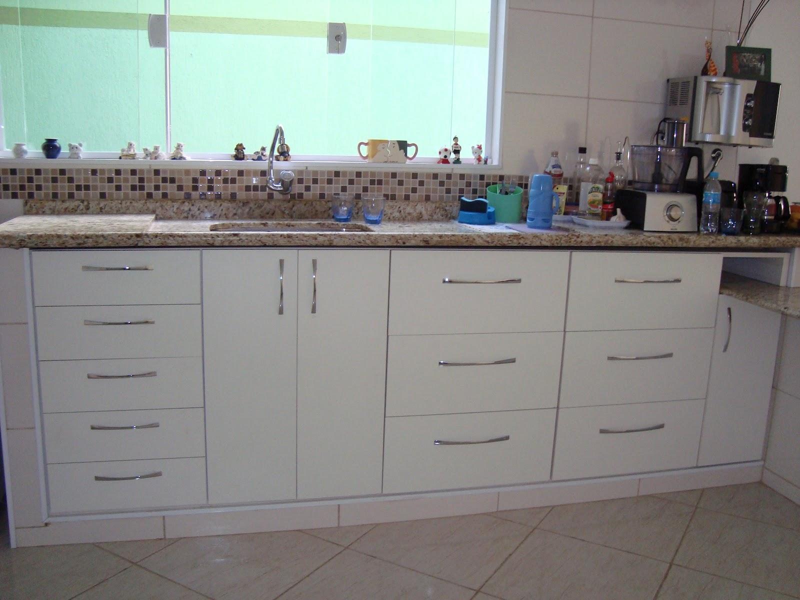 planejados para atender a cozinha e churrasqueira com gavetão para  #2AA17C 1600 1200
